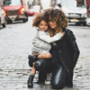 Famille monoparentale ou classique : les enfants se développent aussi bien