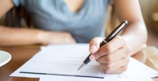 Difficulté à rester dans un logement en tant que parent solo : étudiante conseillère ESF
