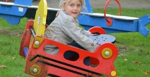 Les aides publiques pour la garde des enfants sont mal utilisées, selon la Cour des Comptes