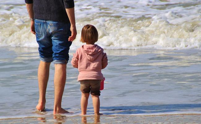 Bien s'équiper pour des vacances en solo avec bébé