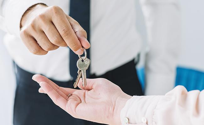 Trouver un logement via une assistante sociale ?